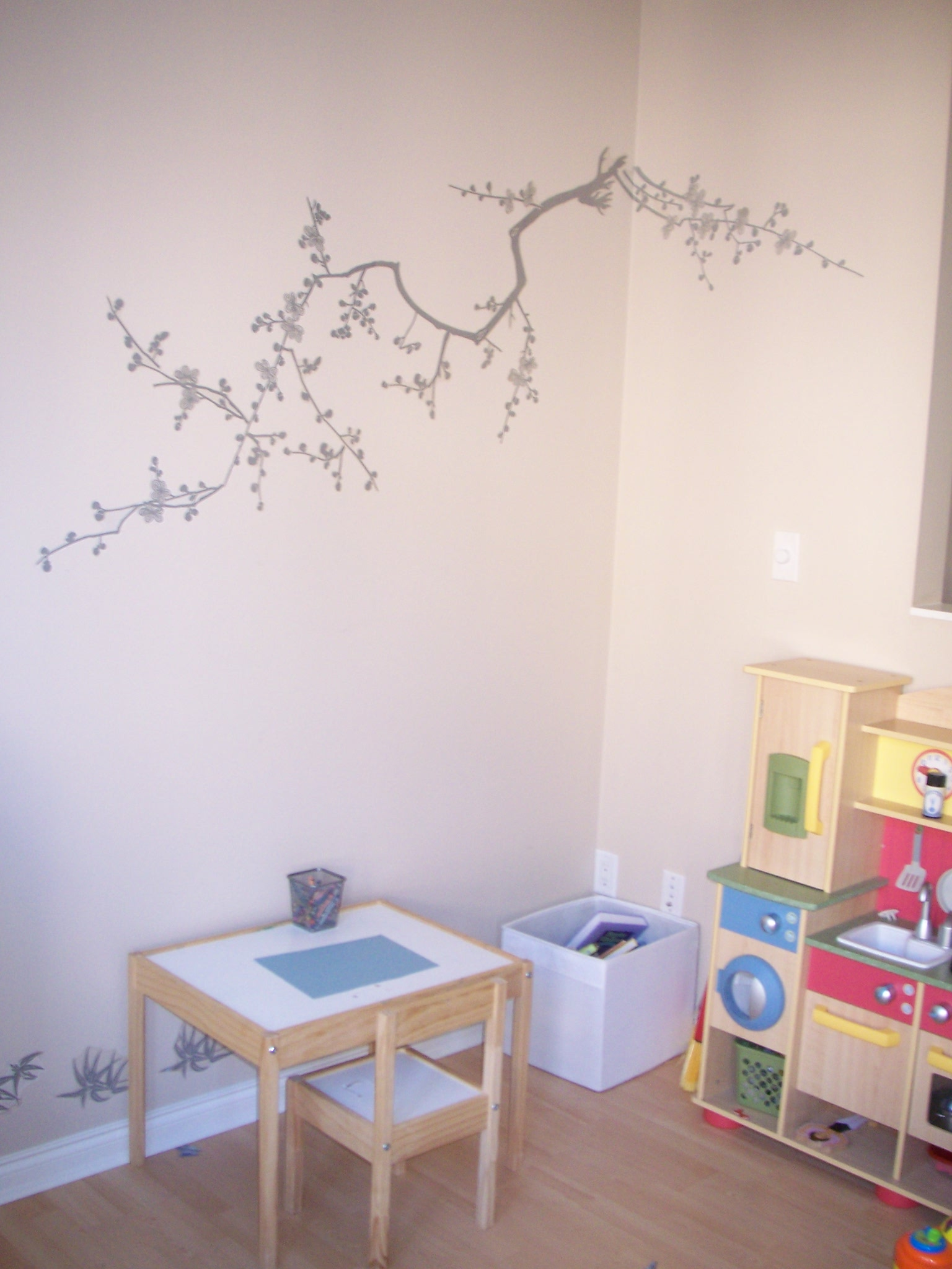 kids playroom/craft area