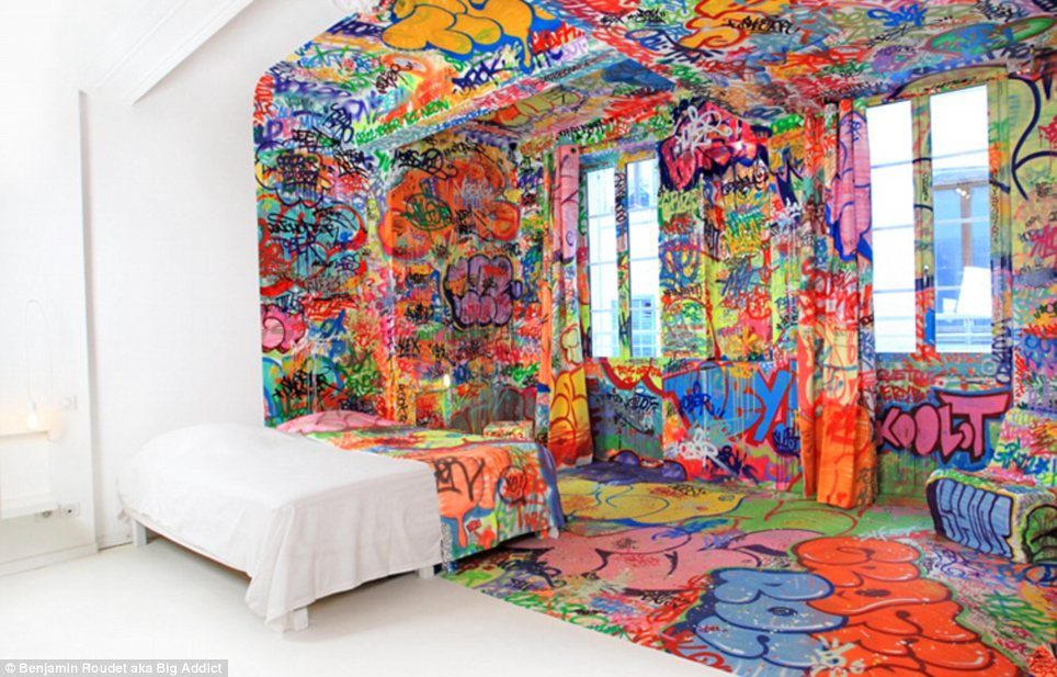 I appreciate the artistry but I would go insane staying in this hotel room