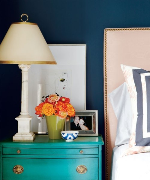 Vintage finds like this side table look so amazing with a bright coat of paint. It really modernizes the look and brings it to life.
