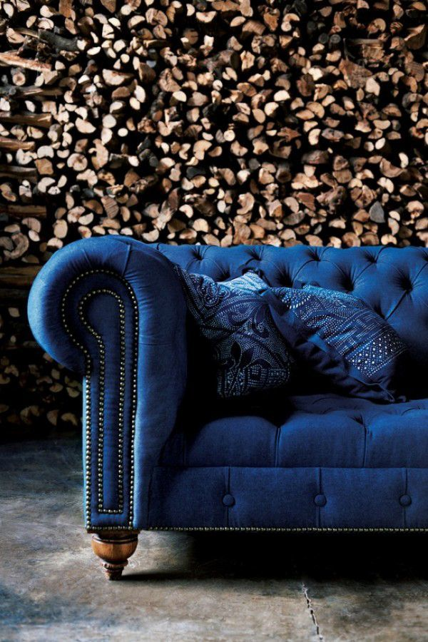 How beautiful is this couch!